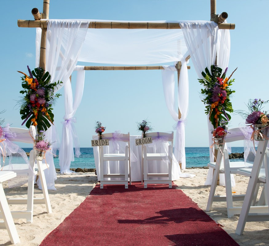 Wedding on the beach on Curacao