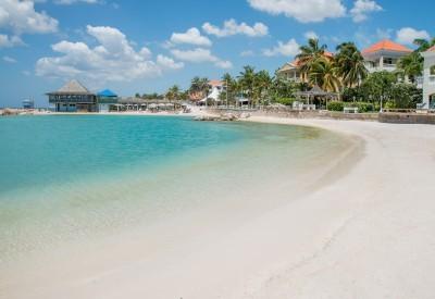 Curacao Heeft Veel Prachtige Stranden Maar Niks Is Zo Lekker Als Een Dagje Ontspannen Op Het Privéstrand Van Uw Hotel Deze Zijn Meestal Voorzien