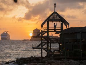 Bezoek de mooiste plekjes van Curacao om de zonsondergang te bekijken