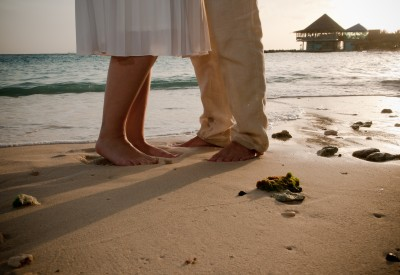 A Beach Wedding And Shoes Will Never Be Each Other S Best Friend Luckily They Don T Have To Nothing Feels As Great Walking Barefoot On The
