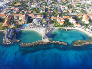 What's Curacao's weather like?