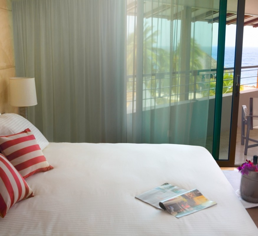 Kom bij in een comfortabele hotelkamer bij het Avila Beach Hotel