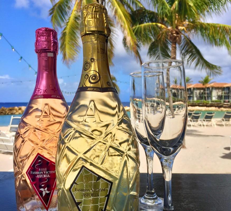 Your favorite beach bar on Curacao