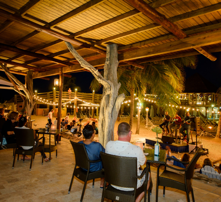 Schooner Bar & Terrace by night