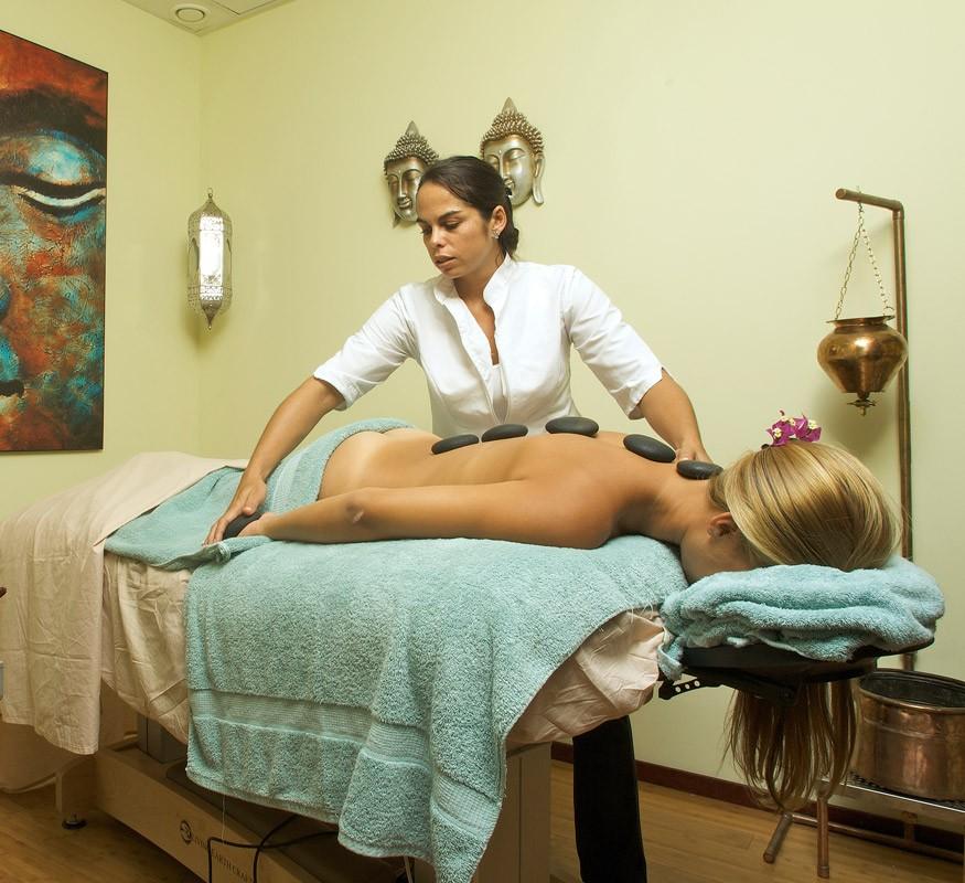 Entspannen und genießen Sie eine himmlische Massage