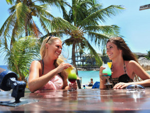 5 reasons to visit Schooner Bar