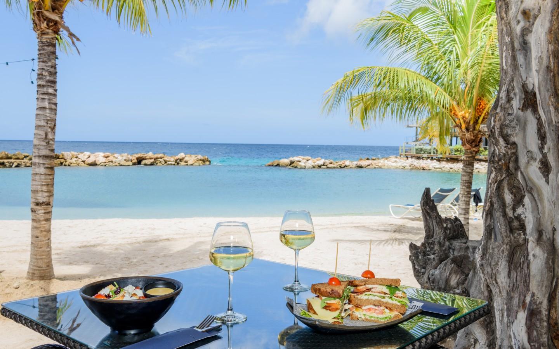 5 Reasons To Visit Schooner Bar Amp Terrace Avila Beach