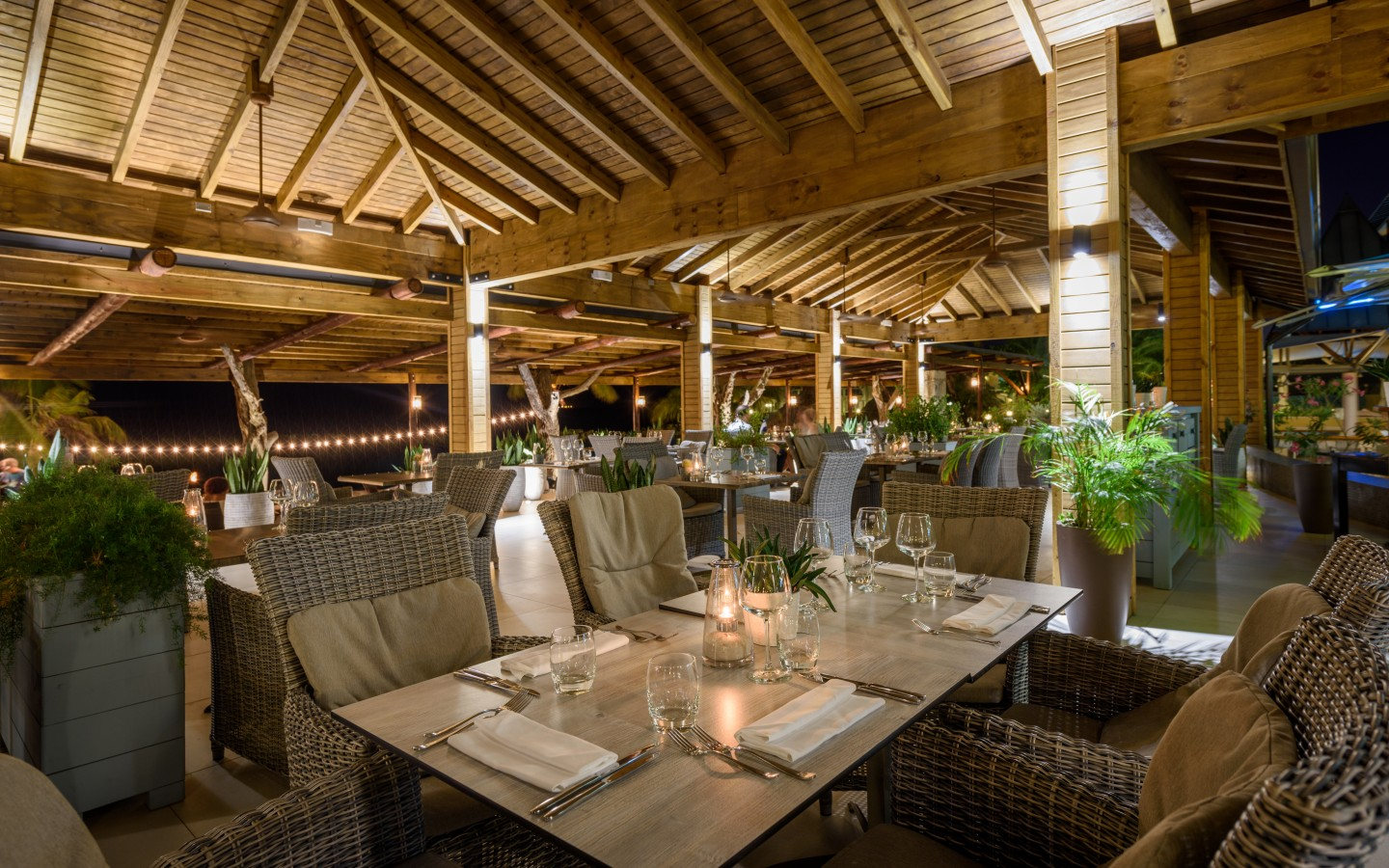 5 Reasons To Have Dinner At Restaurant The Pen Avila Beach Hotel Curacao