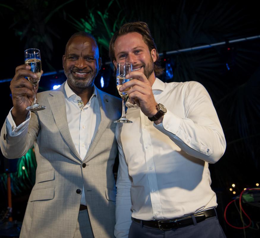 Minister van Economische Ontwikkeling Steven Martina & General Manager Robbin Vogels