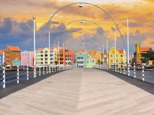 Vacationing in Curacao or Bahamas: Differences and Similarities
