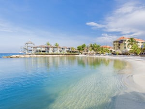 Protector solar seguro para los corales gratis para los huéspedes del Avila Beach Hotel