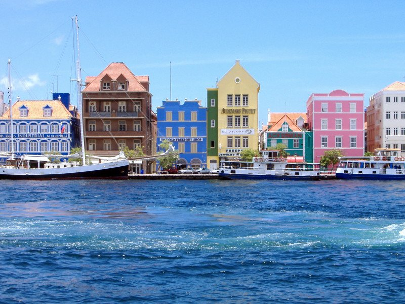 Handelskade with Dutch influences (Curacao)